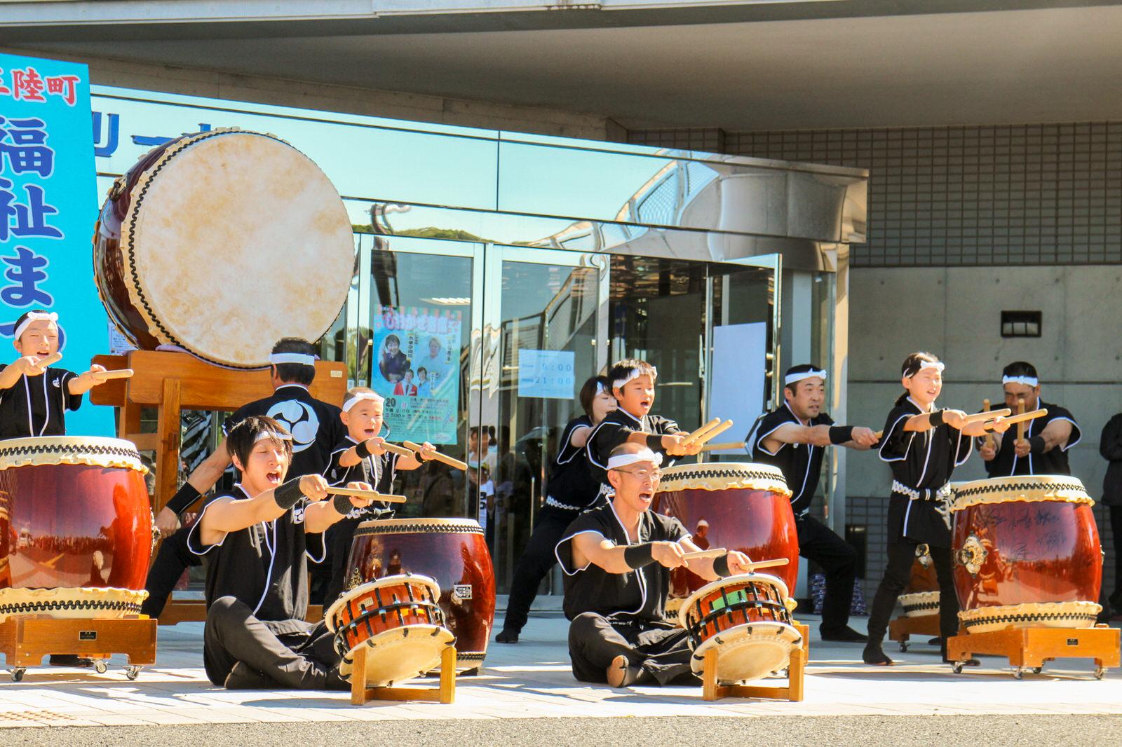 今年度も地元・大森創作太鼓で幕開け!晴天に、迫力ある音が抜けていく